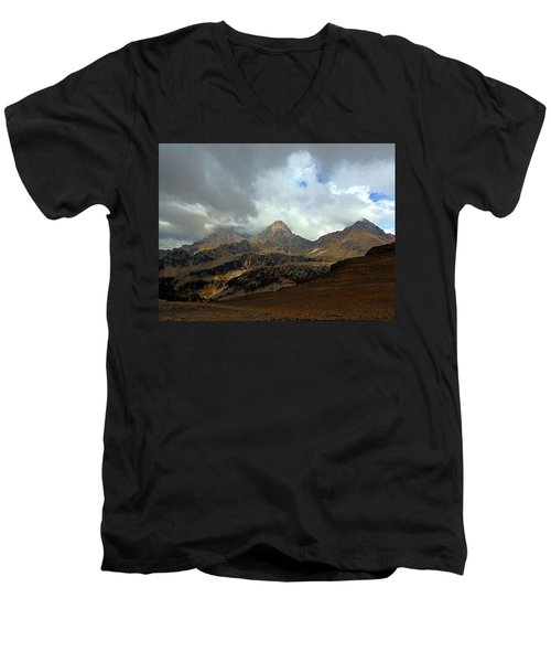 Hurricane Pass Men's V-Neck T-Shirt