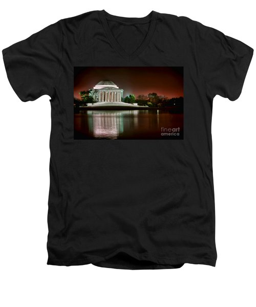 Jefferson Memorial At Night Men's V-Neck T-Shirt