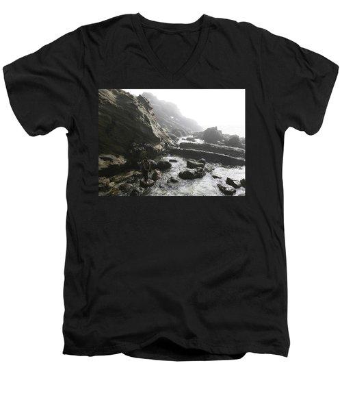 Jesus Christ- In The Presence Of Angels Men's V-Neck T-Shirt