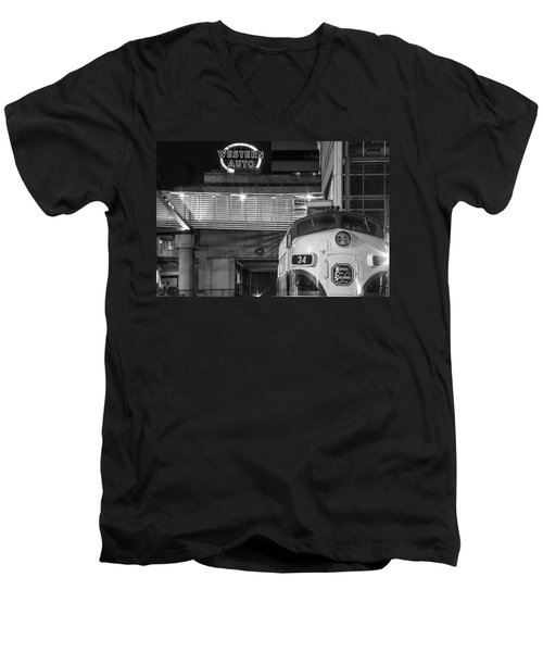 Kansas City Night Train Men's V-Neck T-Shirt