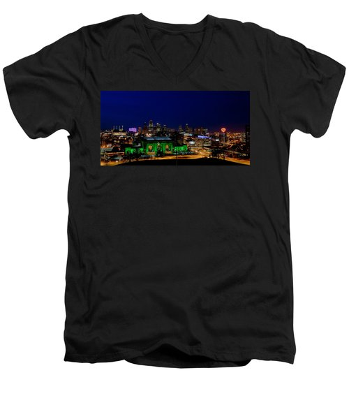 Kansas City Skyline Men's V-Neck T-Shirt
