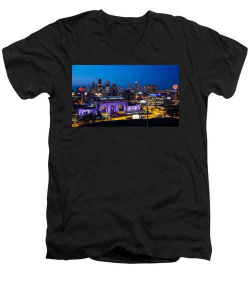 Kcmo Union Station Men's V-Neck T-Shirt