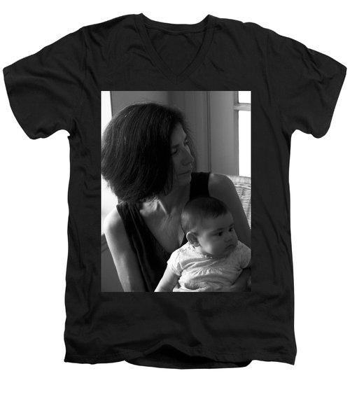 Kiara And Her Ami Men's V-Neck T-Shirt