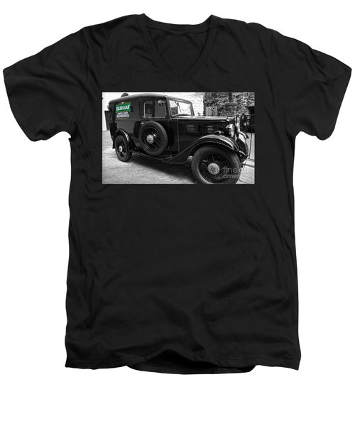 Kilbeggan Distillery's Old Car Men's V-Neck T-Shirt