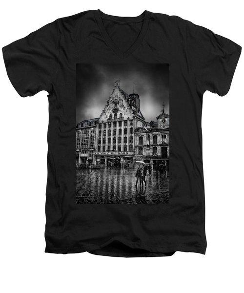 La Voix Du Nord Men's V-Neck T-Shirt