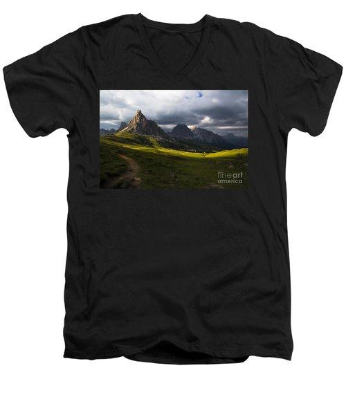 Last Rays Men's V-Neck T-Shirt