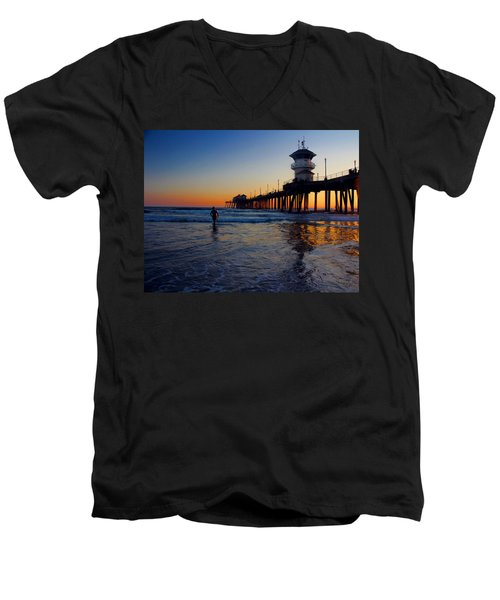 Men's V-Neck T-Shirt featuring the photograph Last Wave by Tammy Espino