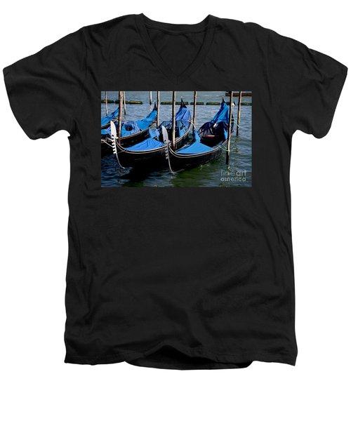 Gli Gondole Men's V-Neck T-Shirt
