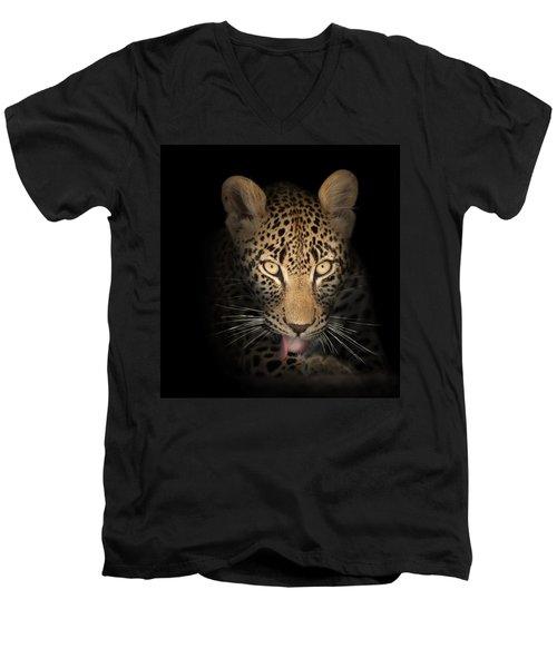 Leopard In The Dark Men's V-Neck T-Shirt