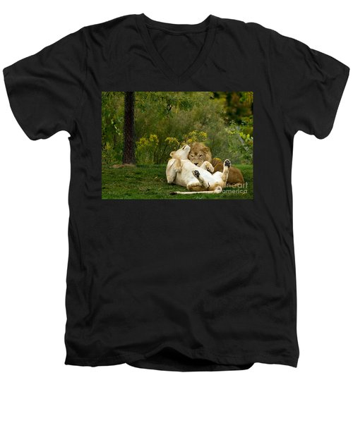 Lions In Love Men's V-Neck T-Shirt