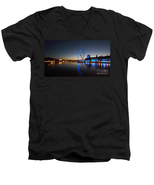 London 1 Men's V-Neck T-Shirt by Mariusz Czajkowski