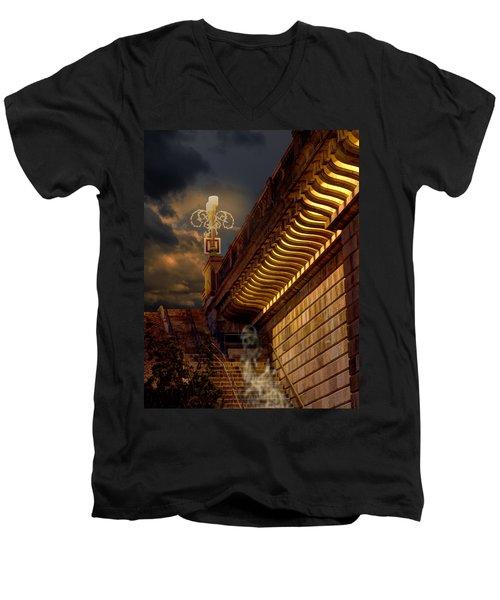 London Bridge Spirits Men's V-Neck T-Shirt