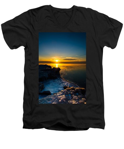 Long Cold Winter II Men's V-Neck T-Shirt