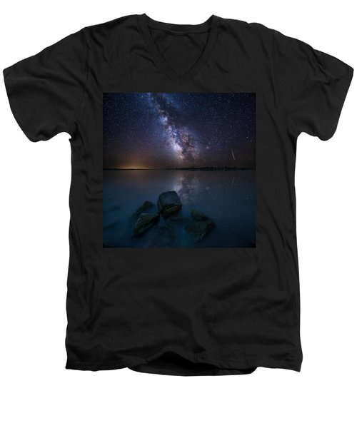 Looking At The Stars Men's V-Neck T-Shirt
