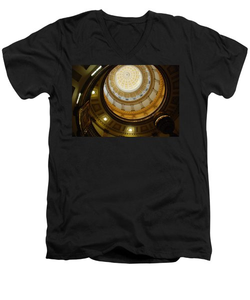 Looking Up The Capitol Dome - Denver Men's V-Neck T-Shirt