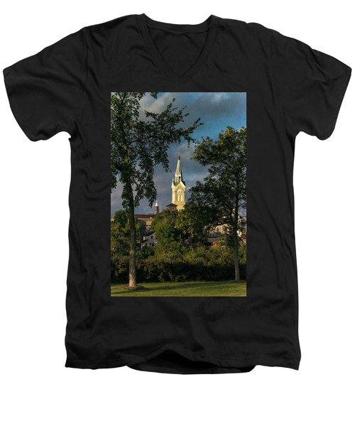 Looking West Men's V-Neck T-Shirt