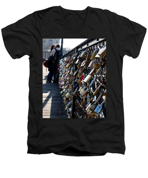 Love Locks Men's V-Neck T-Shirt