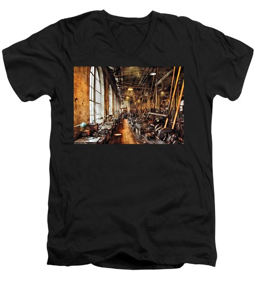 Machinist - Machine Shop Circa 1900's Men's V-Neck T-Shirt