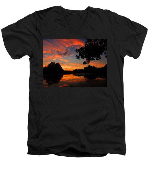 Marlu Lake At Sunset Men's V-Neck T-Shirt