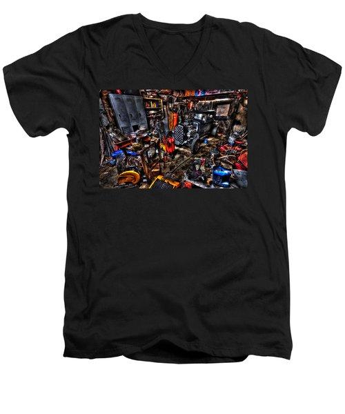 Mechanics Garage Men's V-Neck T-Shirt
