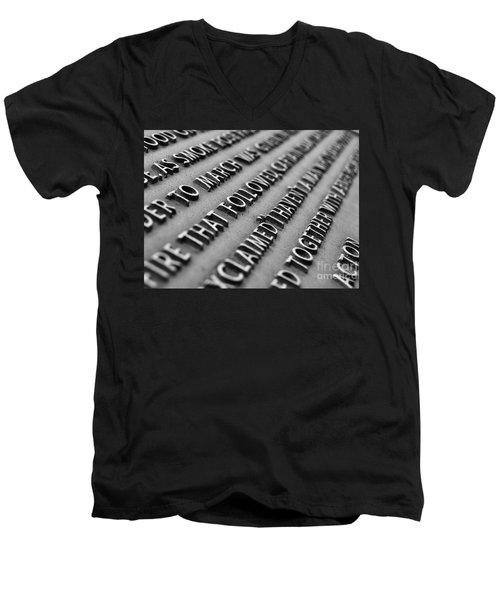 Minute Man Statue Plaque Men's V-Neck T-Shirt