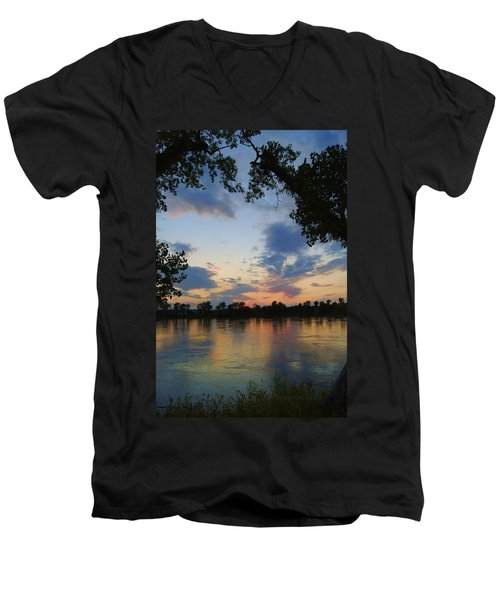 Missouri River Glow Men's V-Neck T-Shirt