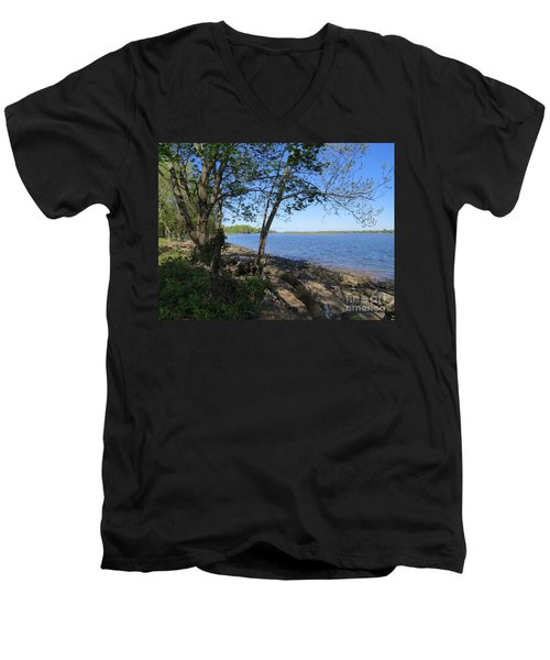 Mud Island Men's V-Neck T-Shirt