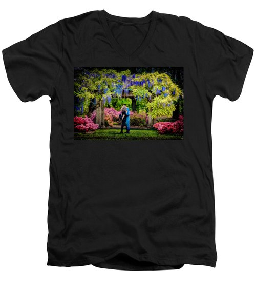 Men's V-Neck T-Shirt featuring the photograph New York Lovers In Springtime by Chris Lord