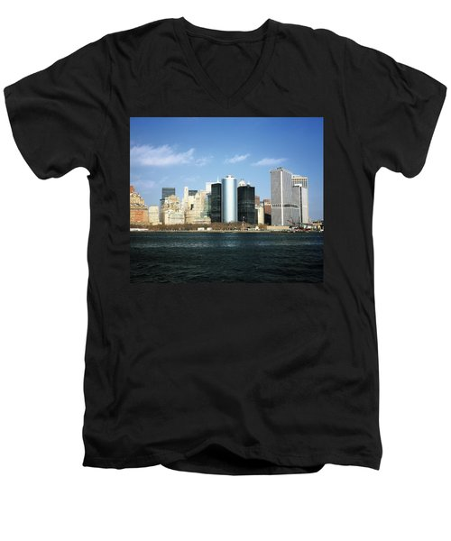 New York Skyline Men's V-Neck T-Shirt