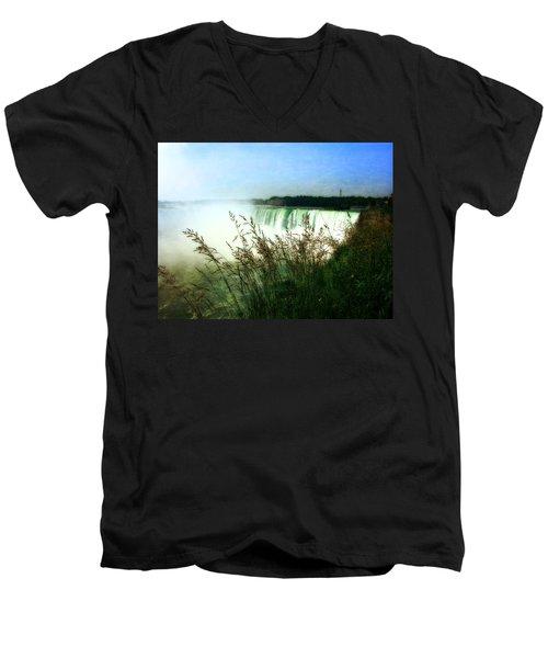 Niagara Falls With Grasses Men's V-Neck T-Shirt