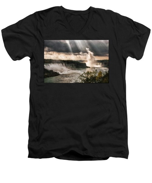 Niagra Falls Men's V-Neck T-Shirt