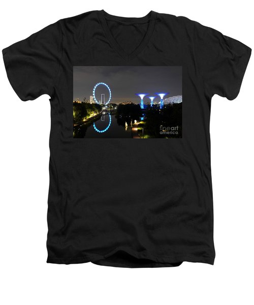 Night Shot Of Singapore Flyer Gardens By The Bay And Water Reflections Men's V-Neck T-Shirt