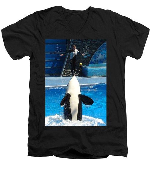 Men's V-Neck T-Shirt featuring the photograph Nose Dive by David Nicholls