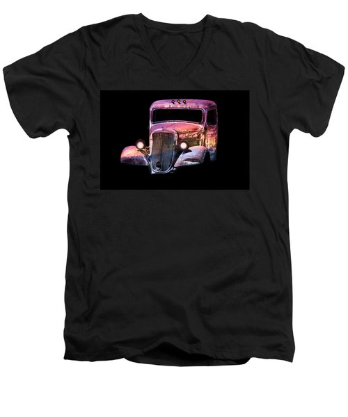 Old Antique Classic Car Men's V-Neck T-Shirt