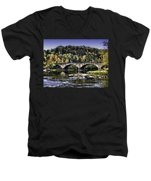Old Bridge Men's V-Neck T-Shirt
