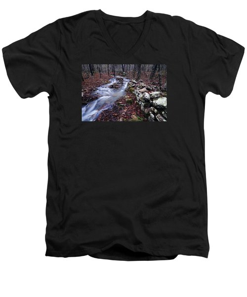 Men's V-Neck T-Shirt featuring the photograph Old Homestead by Andy Crawford