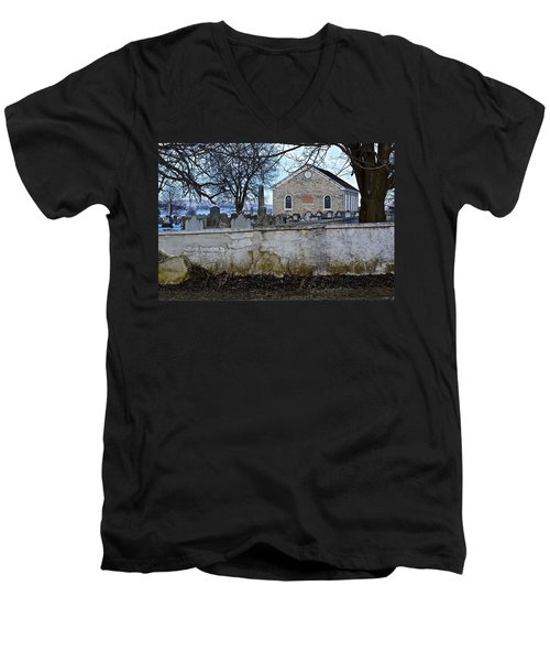 Old Leacock Presbyterian Church And Cemetery Men's V-Neck T-Shirt