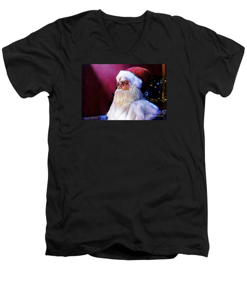Men's V-Neck T-Shirt featuring the photograph Old Saint Nick by Paul Mashburn
