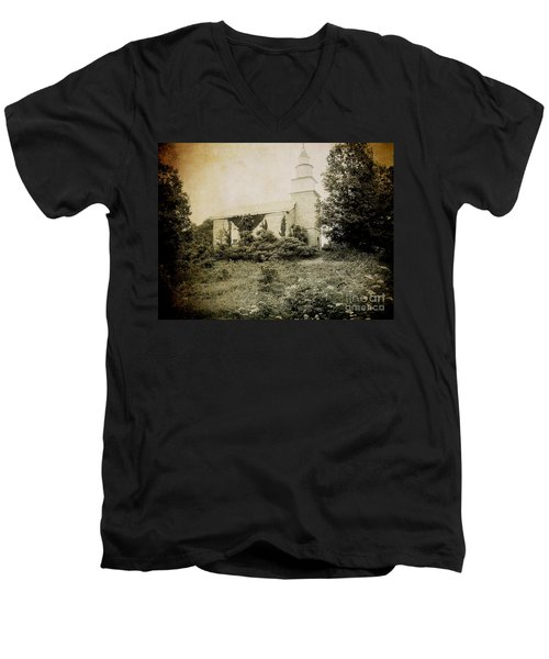 Old Stone Church In Rhinebeck Men's V-Neck T-Shirt
