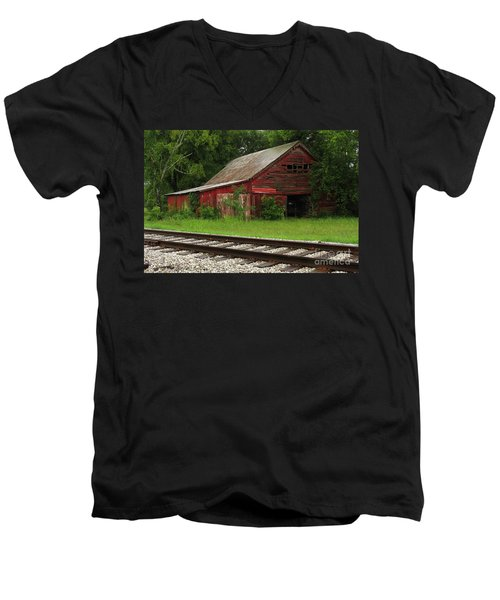 On A Tennessee Back Road Men's V-Neck T-Shirt by Douglas Stucky