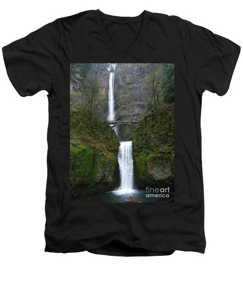 Oregon Long Shot Of  Falls Men's V-Neck T-Shirt