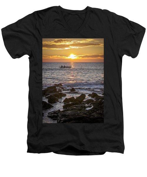 Paddlers At Sunset Portrait Men's V-Neck T-Shirt
