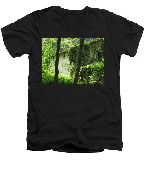 Paris - Green House Men's V-Neck T-Shirt