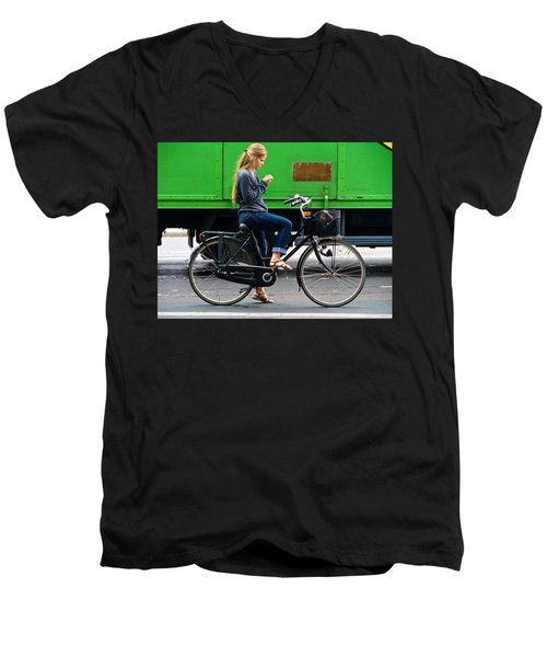 Men's V-Neck T-Shirt featuring the photograph Paris Interlude by Ira Shander