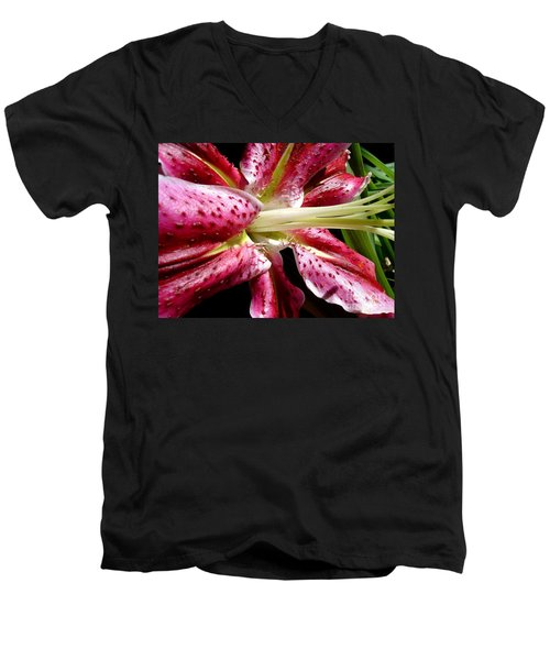 Pink Lily Macro Men's V-Neck T-Shirt