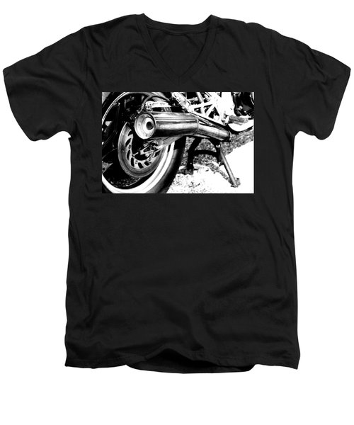 Pipe Black And White Men's V-Neck T-Shirt