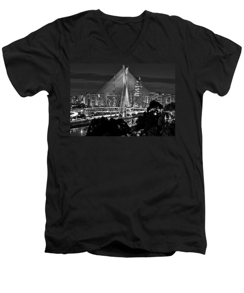 Sao Paulo - Ponte Octavio Frias De Oliveira By Night In Black And White Men's V-Neck T-Shirt