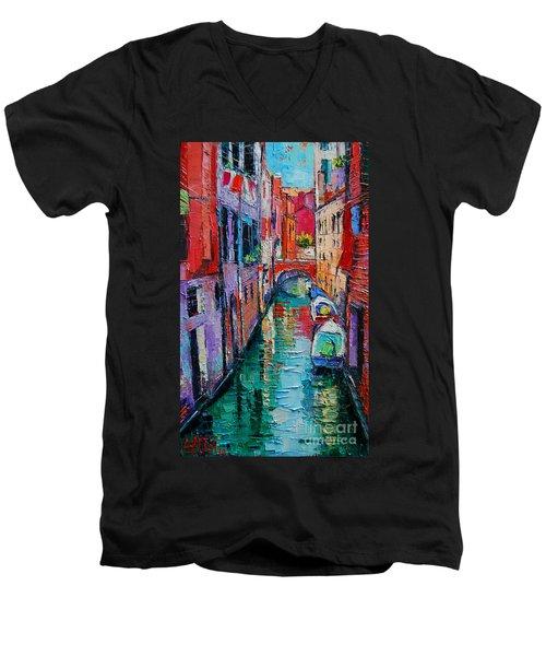 Ponte Raspi O Sansoni - Venice - Italy Men's V-Neck T-Shirt