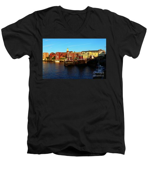 Portsmouth In The Afternoon Men's V-Neck T-Shirt