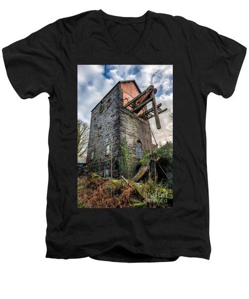 Pump House Men's V-Neck T-Shirt